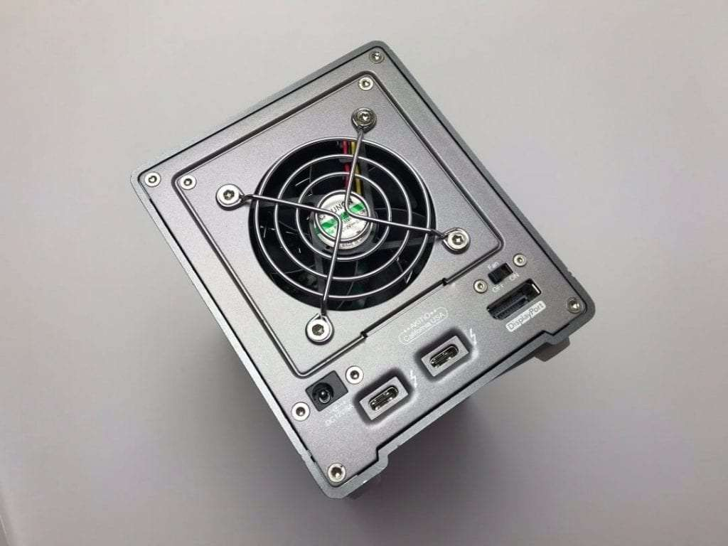 AKiTiO Thunder3 Quad Mini 4-Bay Storage Device REVIEW