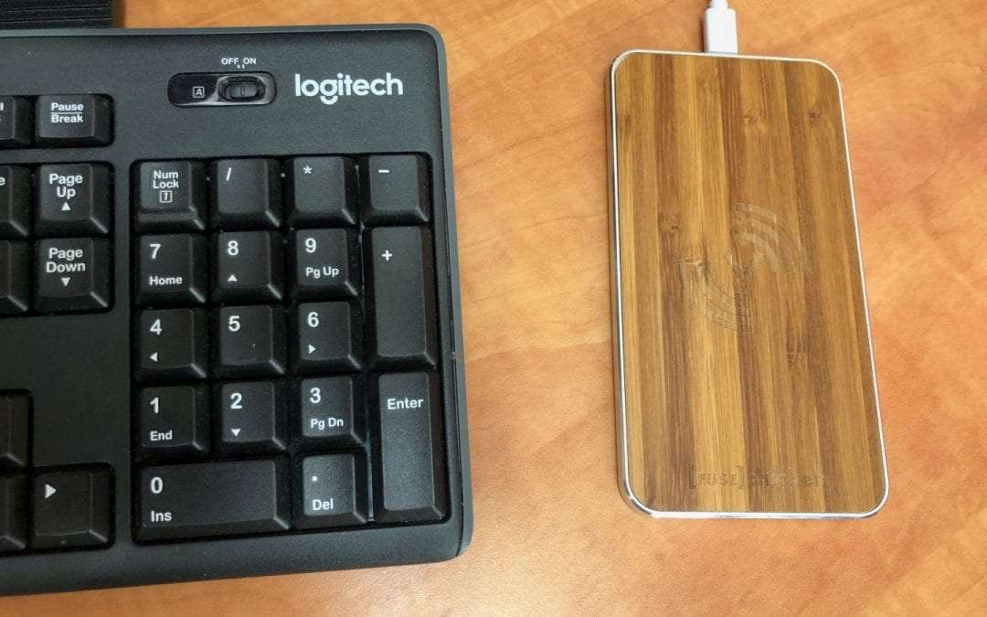 FUSEchicken Gravity Touch Wireless Charger REVIEW Attractive Desktop Charger